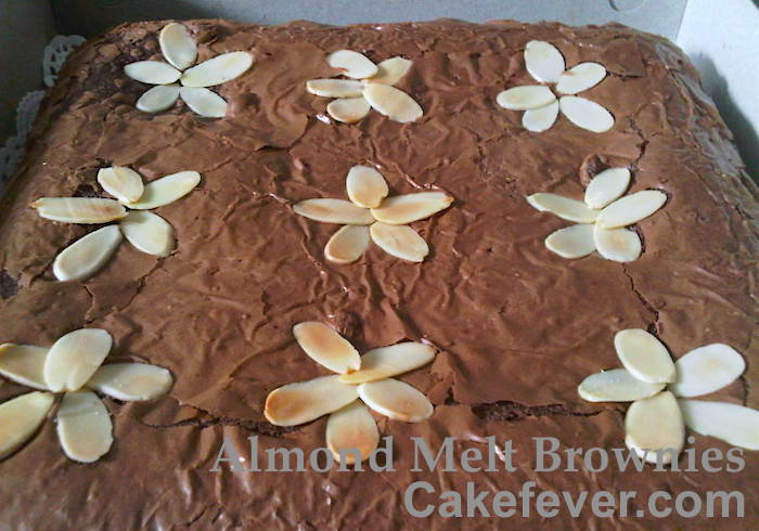 Almond-Melt-Brownies-bigsquare-cakefever