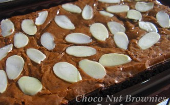 Choco Nut Brownies - Cakefever